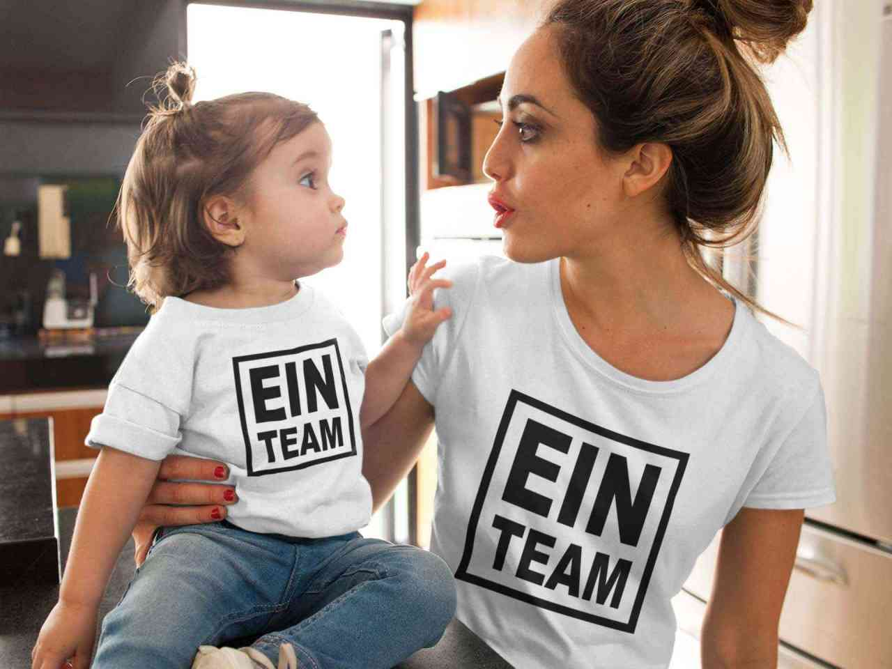 Ein Team Partnerlook T-Shirt | Freunde Familie Kinder Partner